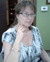 Gloria Dow